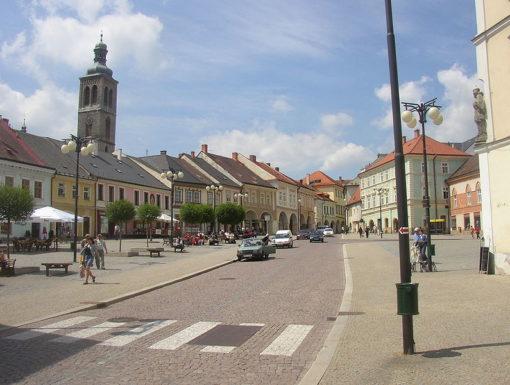 800px-Kutna_Hora_CZ_main_square